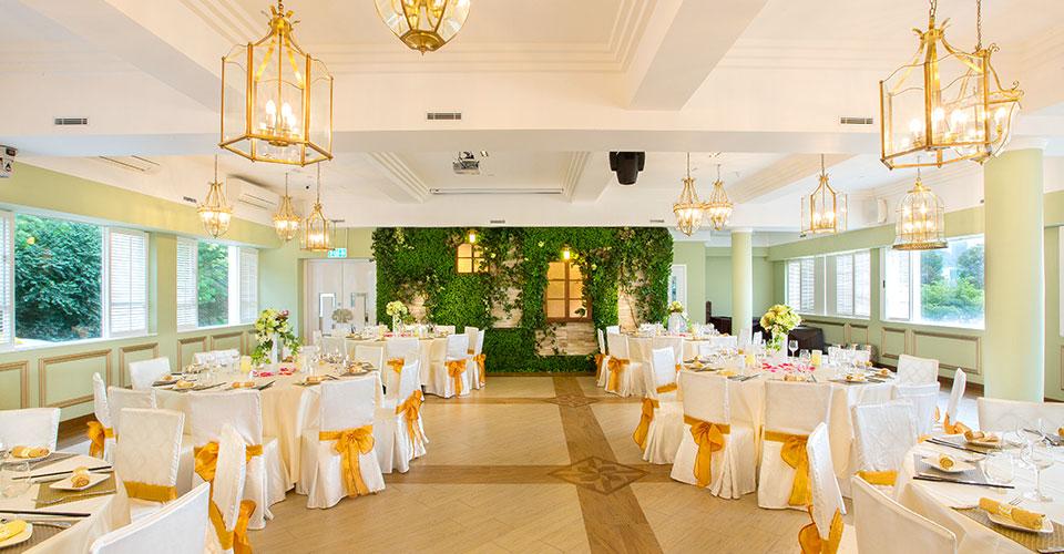 擺酒宴請客人是結婚的一個程序