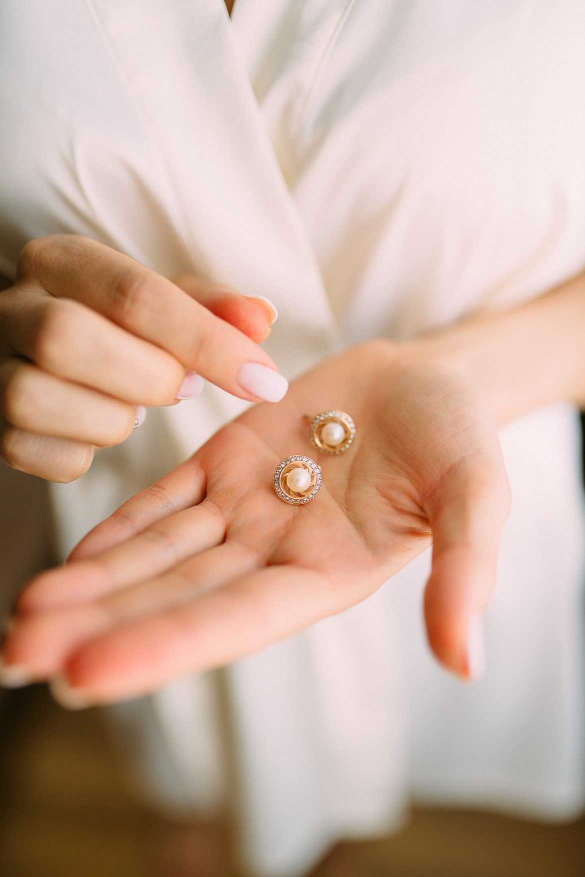 鑽石和珍珠耳環能夠應對不同場合需要